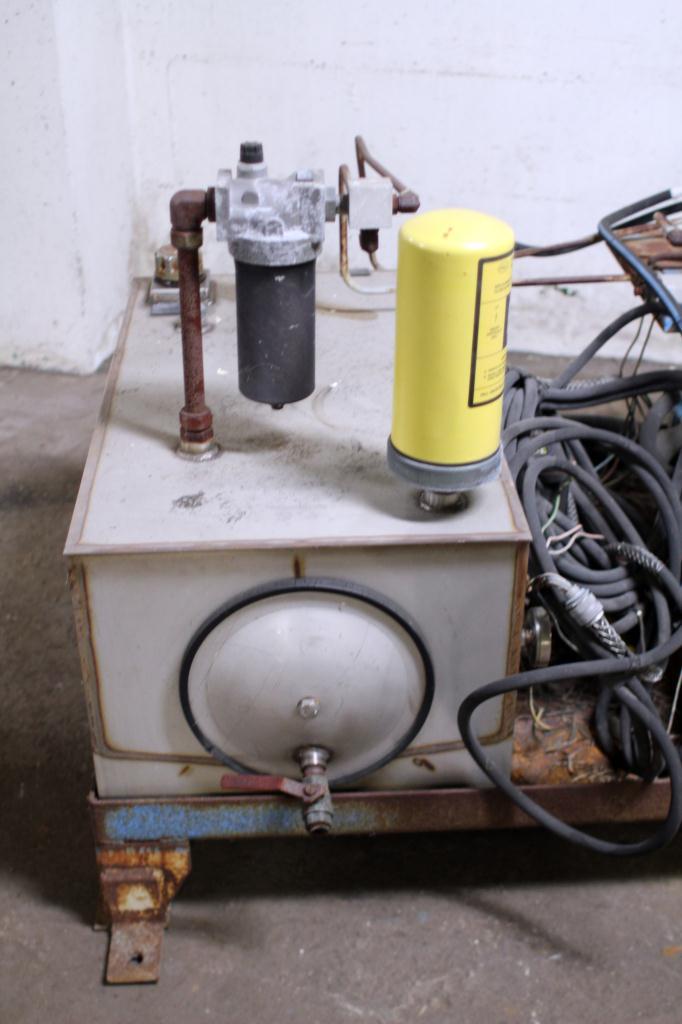 Pump 10 hp American Lifts hydraulic power unit, model Low Profil Unit, 35 gal(US) reservoir tank, 2000 psi3