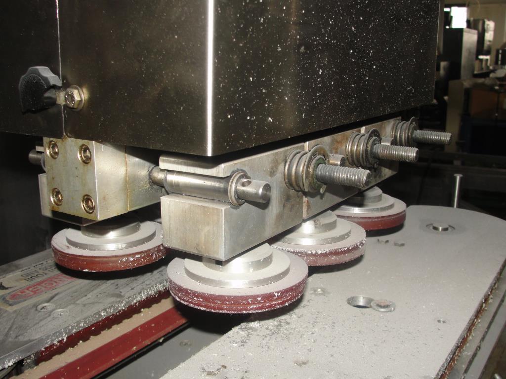 Capping Machine Ron Unger Engineering retorquer cap tightener 4