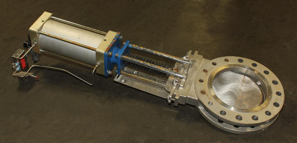 Valve 10 Flowx gate valve, pneumatic operator, Stainless Steel1