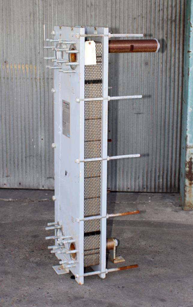 Heat Exchanger 84 sq.ft. API Schmidt plate heat exchanger, Stainless Steel Contact Parts1