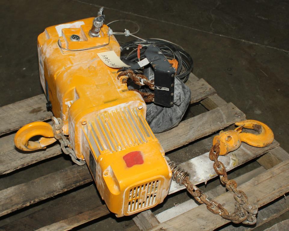 Material Handling Equipment chain hoist, 4000 lbs. Harrington Hoists and Cranes model ER 020L  ERA 1A-3405