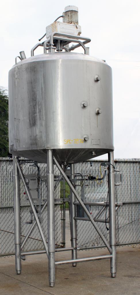 Kettle 650 gallon Sani Fab processor kettle, agitator 2 speed side scrape, 75 psi jacket rating, Stainless Steel1