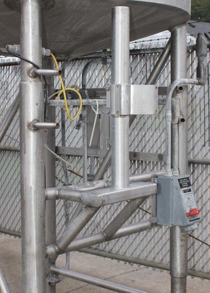 Kettle 650 gallon Sani Fab processor kettle, agitator 2 speed side scrape, 75 psi jacket rating, Stainless Steel3