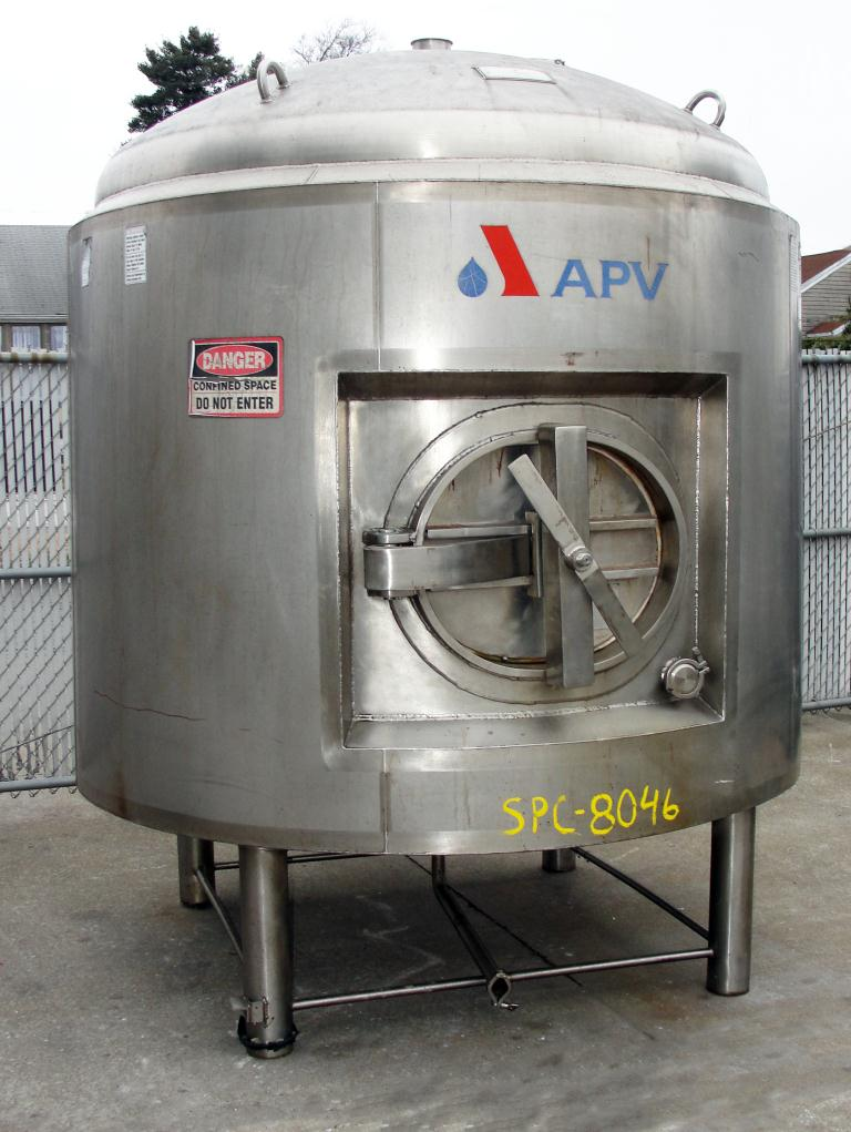 Tank 1300 gallon vertical tank, Stainless Steel, 60 psi @ 300 F internal, dish Bottom1