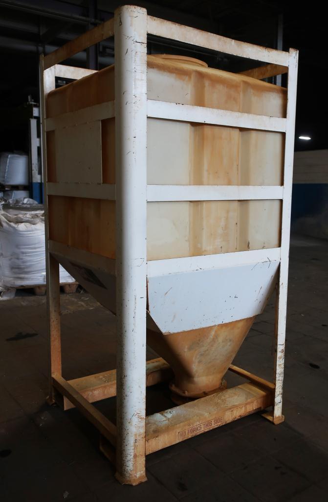 Bin 80 cu.ft., bulk storage bin, poly6