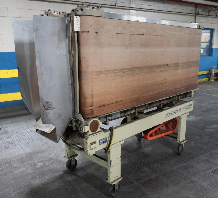 Conveyor Force Feeder belt conveyor CS, 35 h x 89 l x 15 between belts3