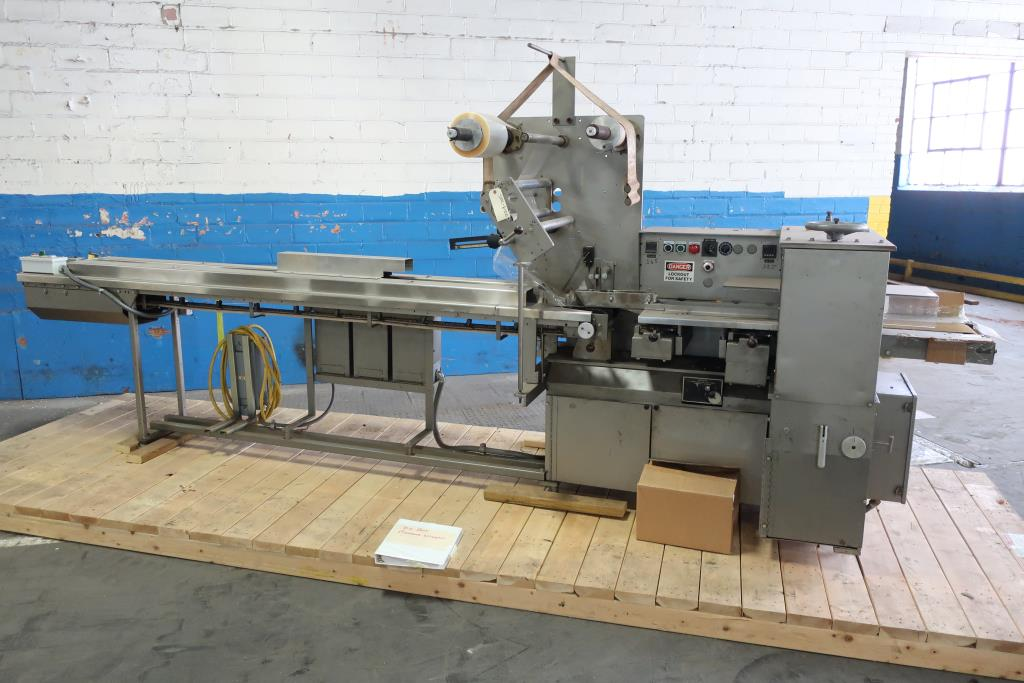 Wrapper Doboy horizontal flow wrapping machine model Super Mustang, 8.5 lug spacing1