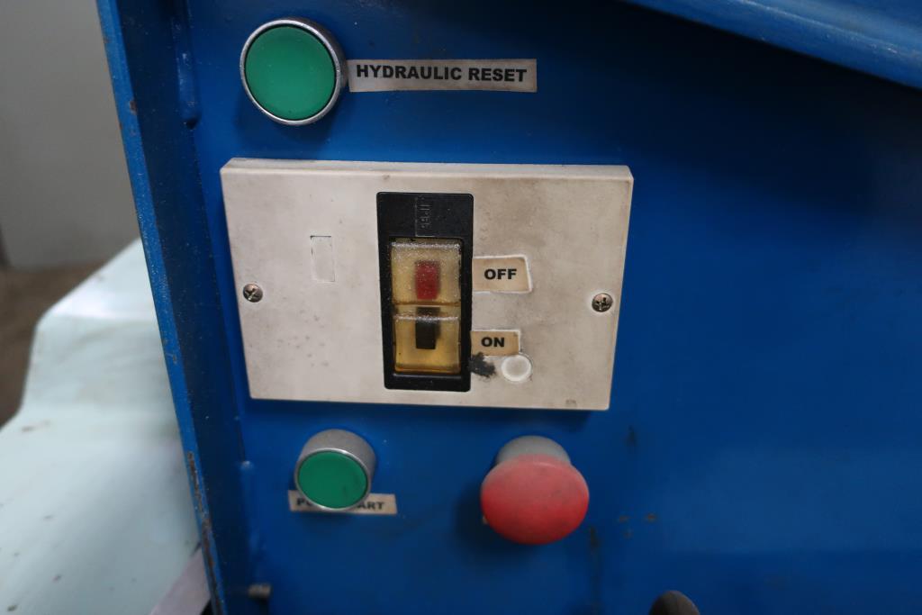 Miscellaneous Equipment Hydraulic guillotine cutting machine, CS5