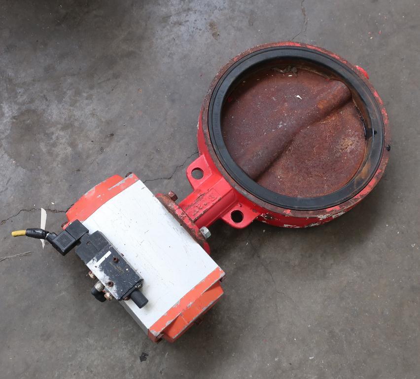 Valve 12 BRAY butterfly valve CS, pneumatic operator2