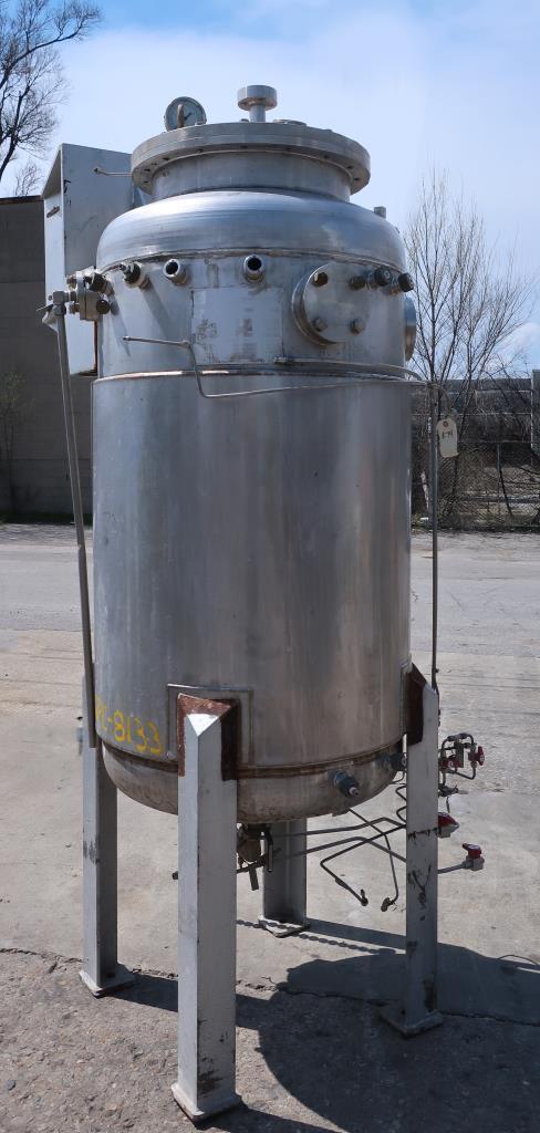 Reactor 500 liter capacity New Brunswick Scientific Co. bioreactor 40 psi internal, 35 psi jacket, stop center agitator, 304 SS1