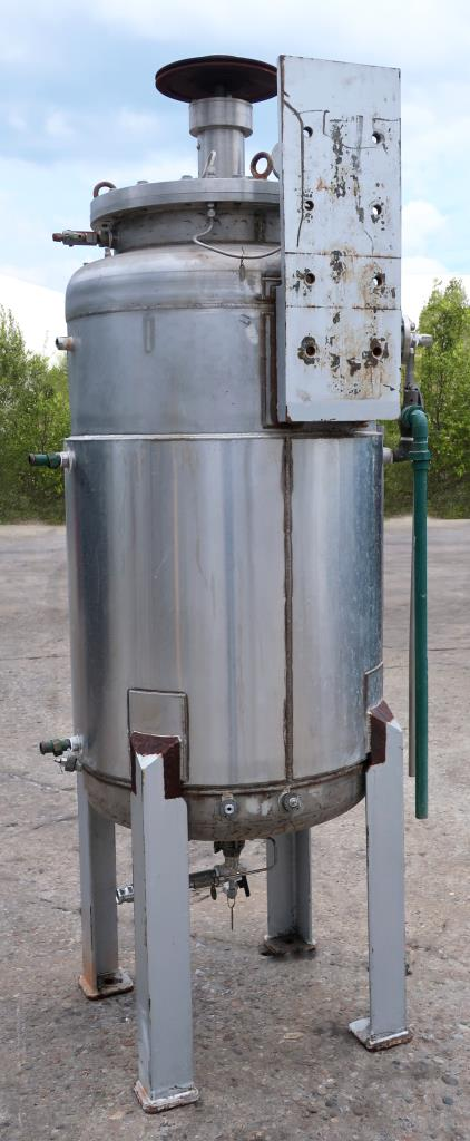 Reactor 500 liter capacity New Brunswick scientific Co. bioreactor 40 psi internal, 35 psi jacket, top center agitator, 316 SS3