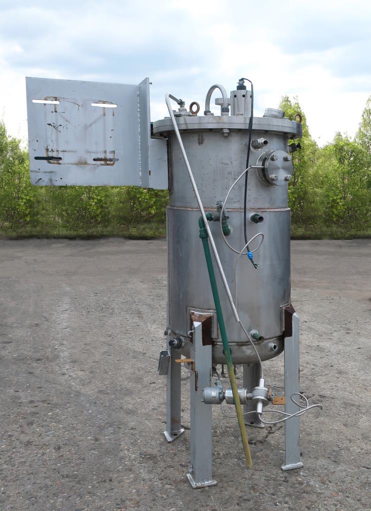 Reactor 250 liter capacity New Brunswick Scientific Co. bioreactor 40 psi internal, 35 psi jacket, top center agitator, Stainless Steel3