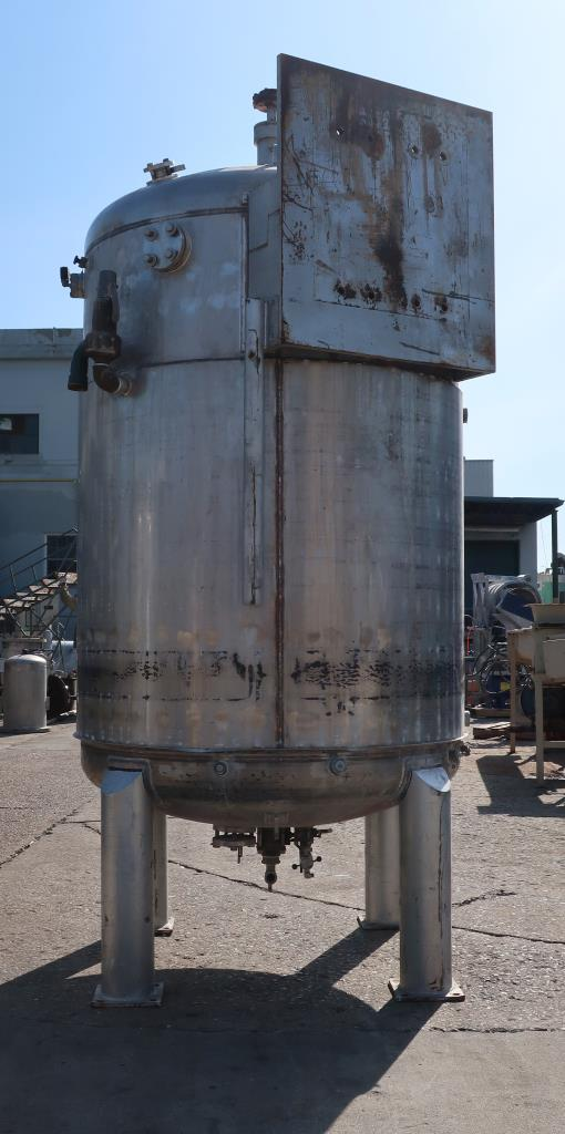 Reactor 3000 liter capacity New Brunswick Scientific Co. bioreactor 40 psig psi internal, 35 psig psi jacket, top center agitator, Stainless Steel3