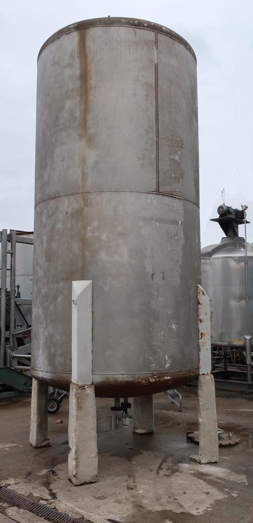 Tank 3000 gallon vertical tank, Stainless Steel, dish bottom2
