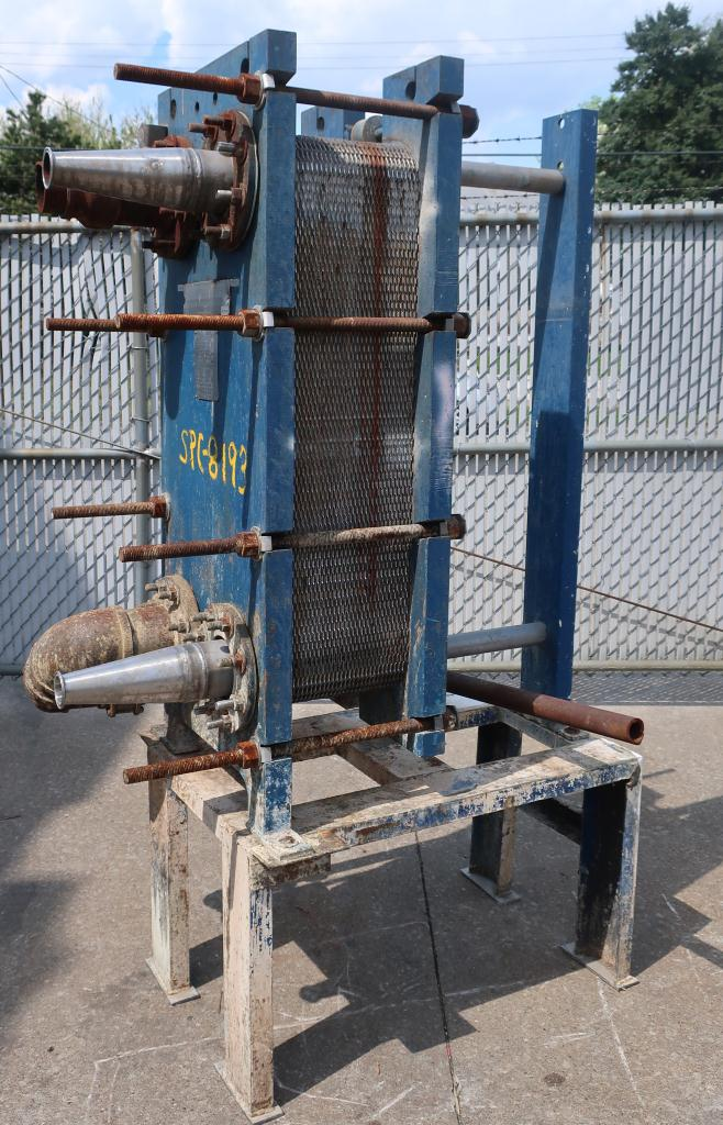 Heat Exchanger 194 sq.ft. Mueller plate heat exchanger, Stainless Steel Contact Parts1