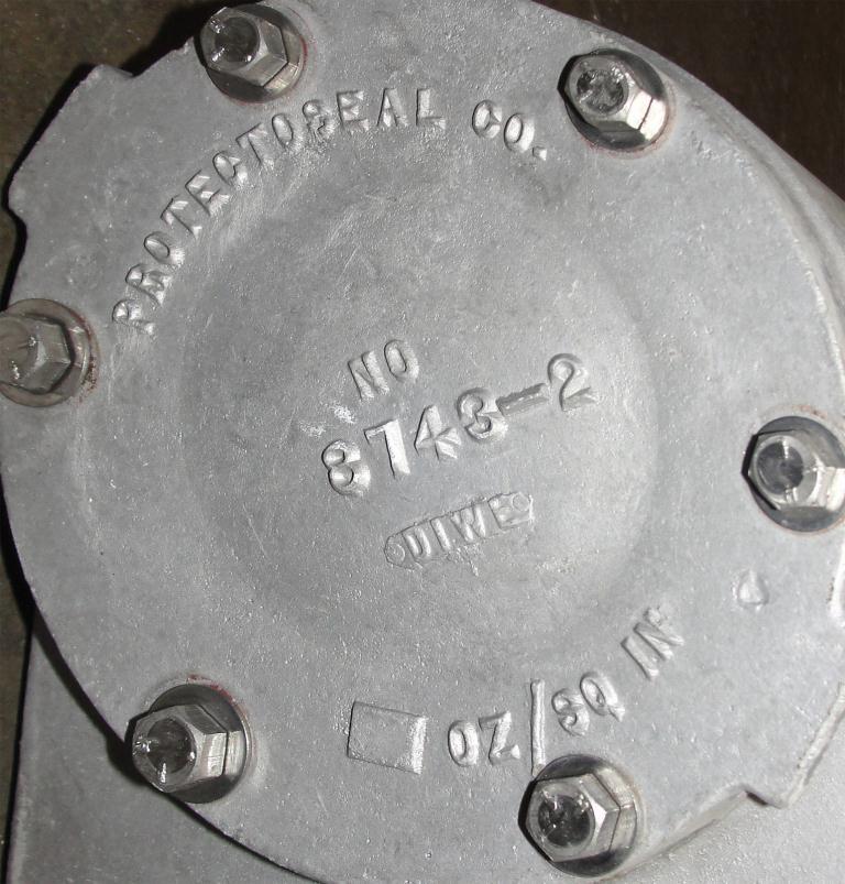 Valve vacuum conservation vent, 3 vent size Protectoseal model 8743, Aluminum3