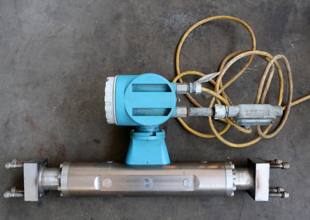 Valve 1.5 Endress-Hauser model ProMass 63M liquid flow meter, Stainless Steel4