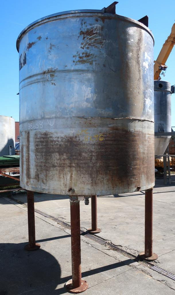 Tank 1900 gallon vertical tank, Stainless Steel, conical Bottom4