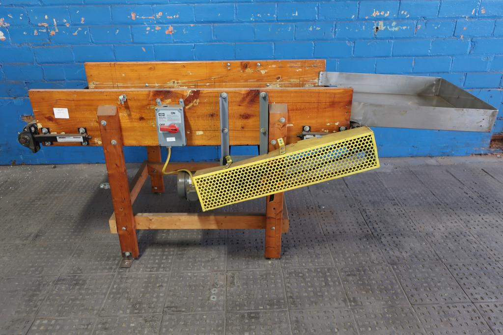 Conveyor belt conveyor 24 w x 67 l1