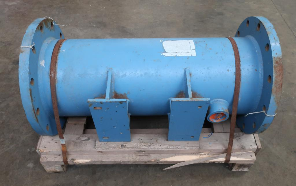Heat Exchanger 93.2 sq.ft. Ipac 2000 Inc. shell and tube heat exchanger, 200 psi shell, 200 psi internal, 304 SS2