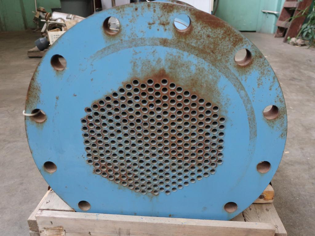 Heat Exchanger 93.2 sq.ft. Ipac 2000 Inc. shell and tube heat exchanger, 200 psi shell, 200 psi internal, 304 SS4