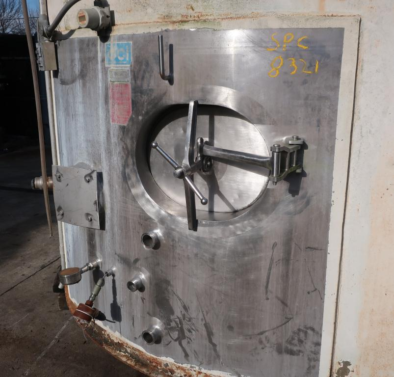 Tank 6000 gallon vertical tank, Stainless Steel Contact Parts, Refrigeration jacket, slope bottom6