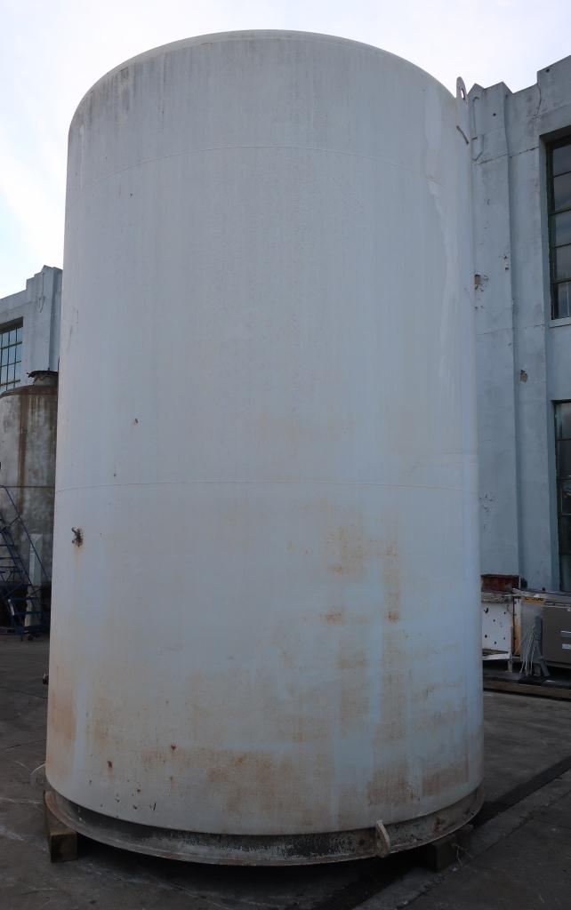 Tank 6000 gallon vertical tank, Stainless Steel Contact Parts, Refrigeration jacket, slope bottom3