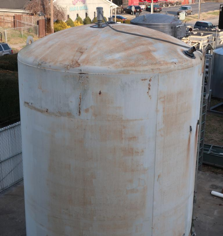 Tank 6000 gallon vertical tank, Stainless Steel Contact Parts, Refrigeration jacket, slope bottom5