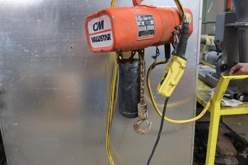 Material Handling Equipment chain hoist, 1/4 ton lbs. Columbus McKinnon model WB, 20 Ft3