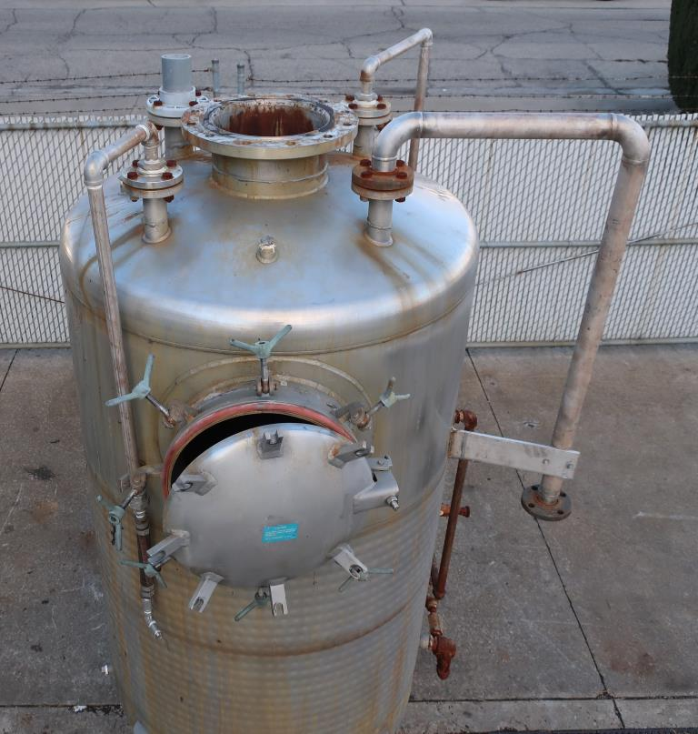 Tank 600 gallon vertical tank, Stainless Steel, low pressure dimple jacket, dish bottom7