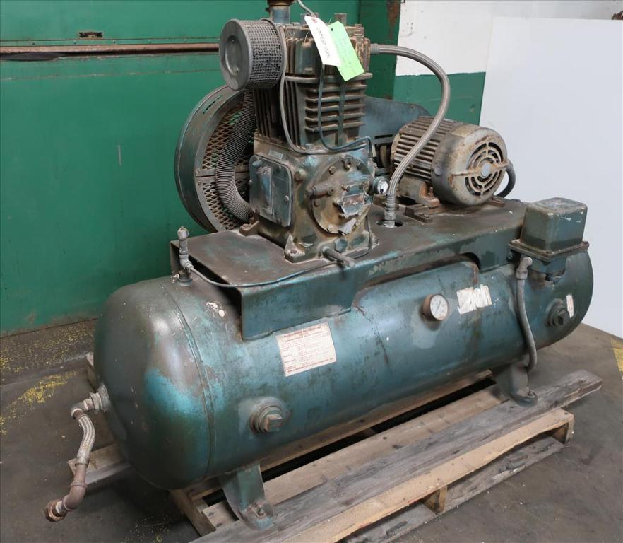 Compressor 5 hp Quincy air compressor model 325 152