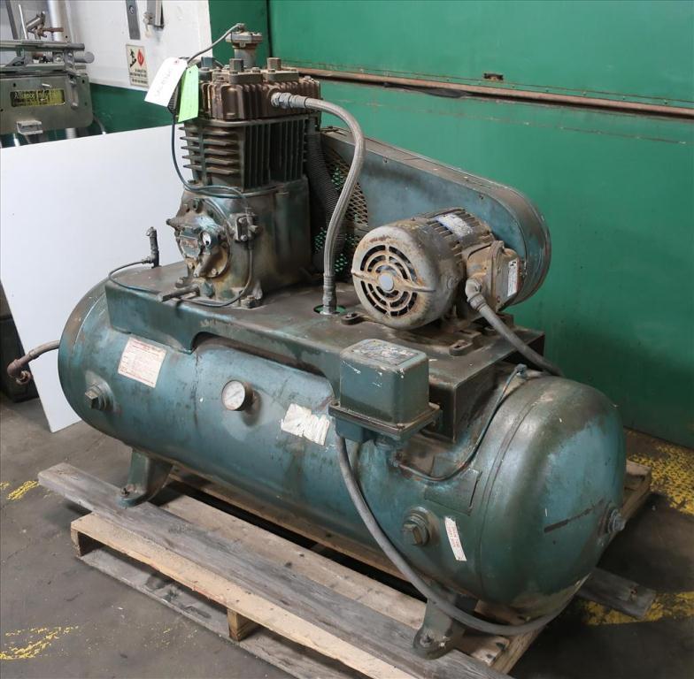 Compressor 5 hp Quincy air compressor model 325 153