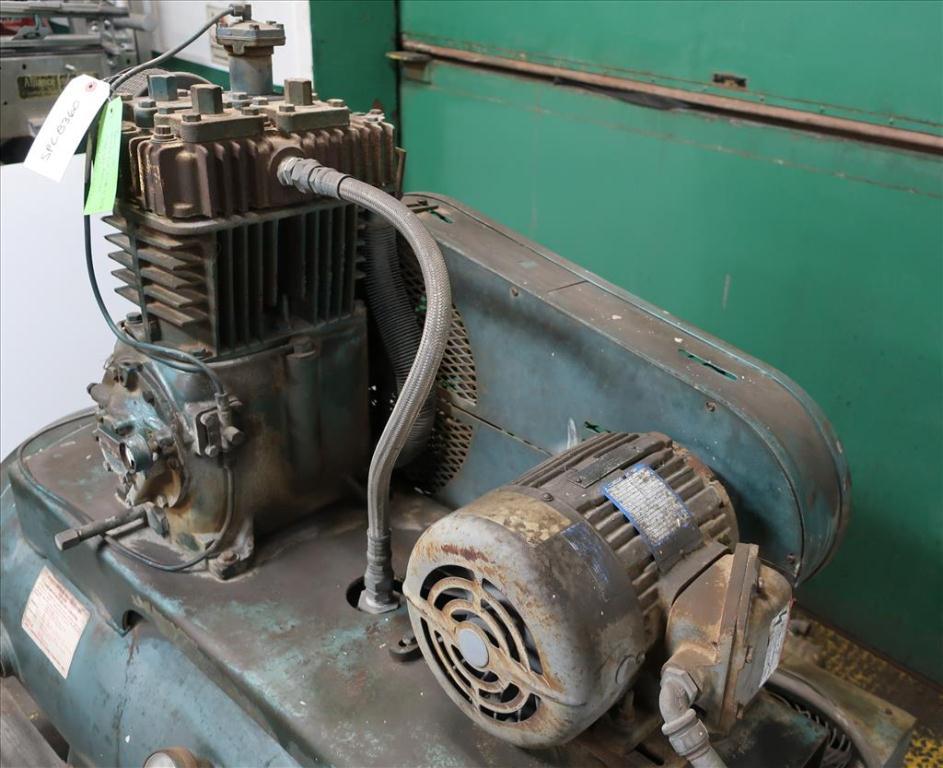 Compressor 5 hp Quincy air compressor model 325 157