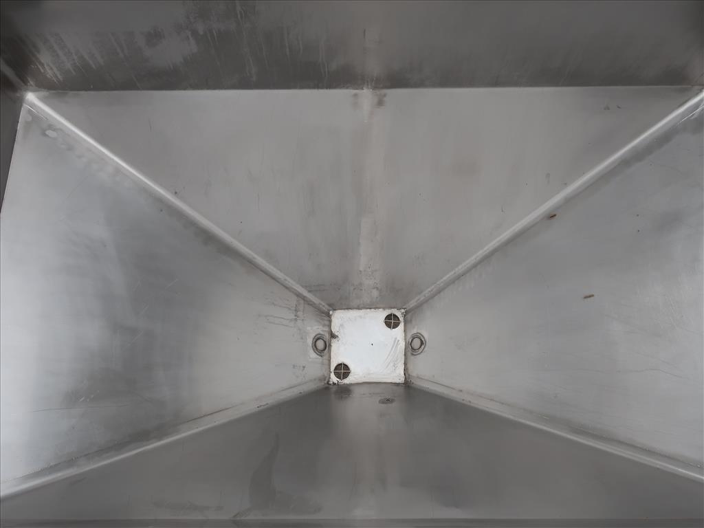 Bin 84 cu.ft., bulk storage bin, Stainless Steel5