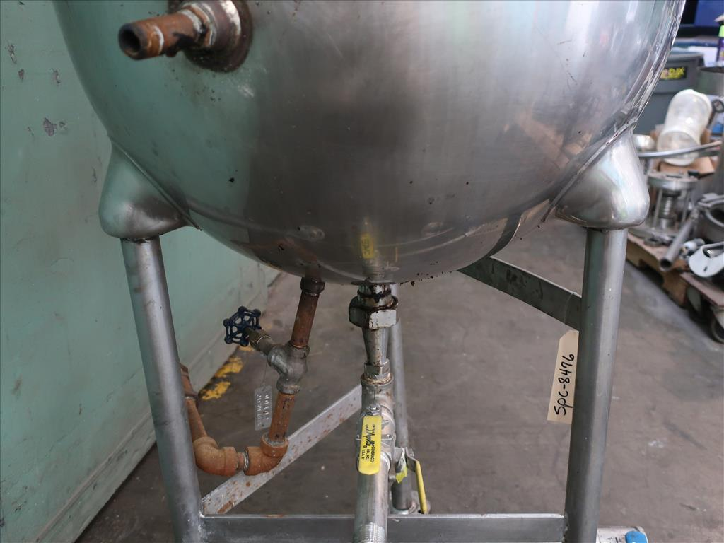 Kettle 30 gallon Groen hemispherical bottom kettle, 100 psi jacket rating, 316 SS5