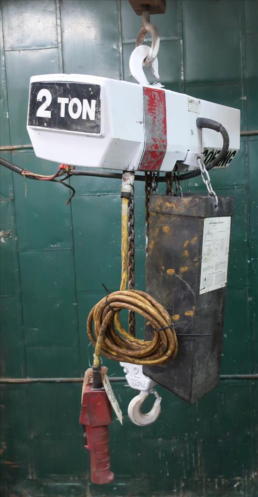 Material Handling Equipment chain hoist, 4000 lbs. Coffing Hoists model EC.4008.32
