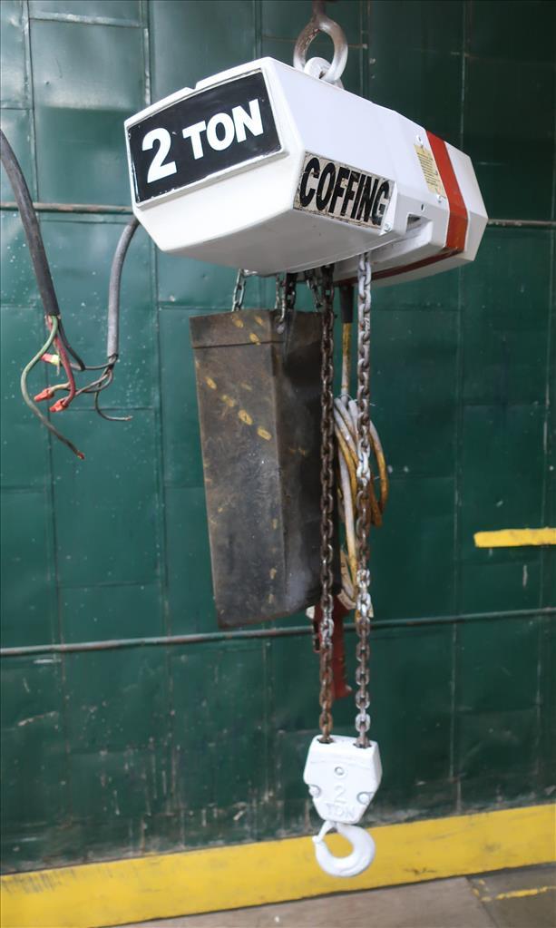 Material Handling Equipment chain hoist, 4000 lbs. Coffing Hoists model EC.4008.32