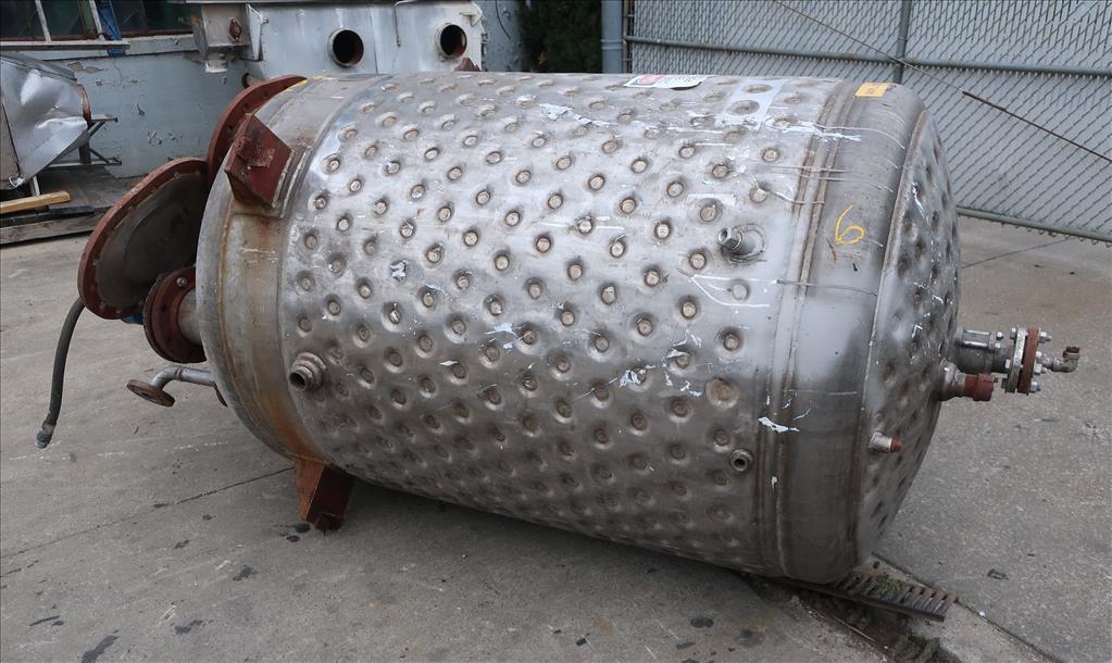 Tank 500 gallon vertical tank, Stainless Steel, dimpled jacket, 0.33 hp agitator, dish bottom4