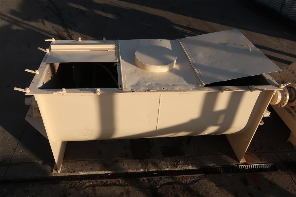 Mixer and Blender 50 cu. ft. capacity ribbon blender, 15 hp, CS5