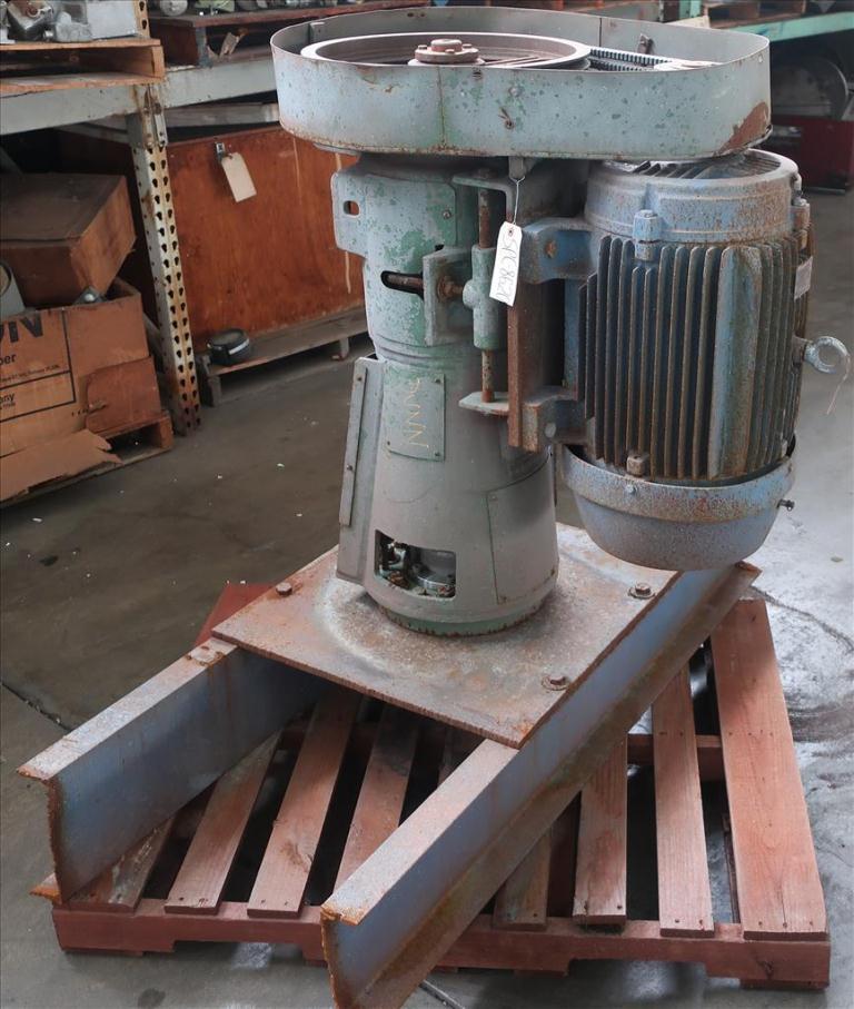 Agitator 30 hp Lightnin side mount agitator model 108 VSE S102