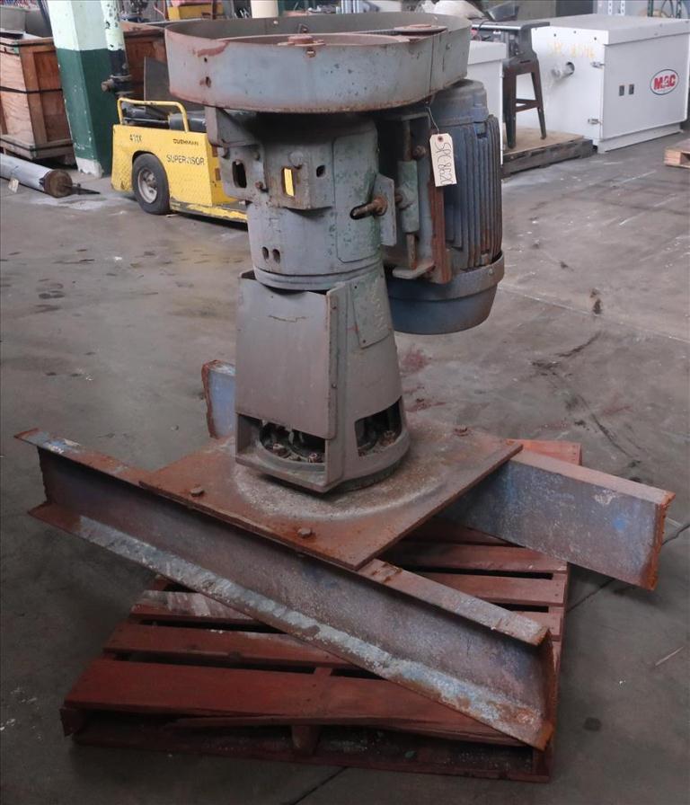 Agitator 30 hp Lightnin side mount agitator model 108 VSE S103
