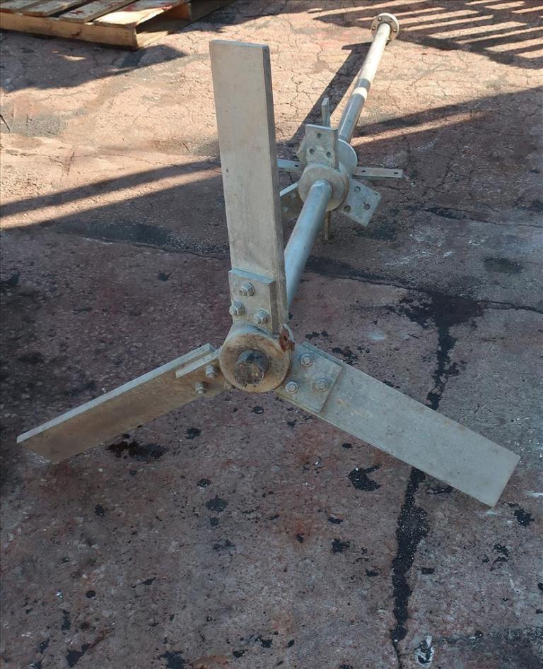 Agitator 30 hp Lightnin side mount agitator model 108 VSE S106