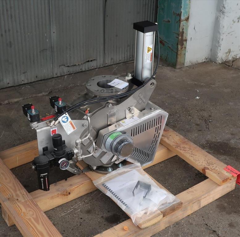 Valve 12 W x 33 L x 32 H Schenck Process pneumatic diverter valve, 40PT45 316 SS2