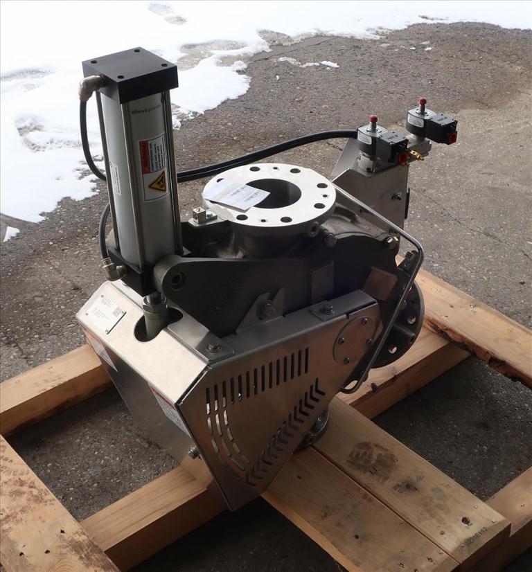 Valve 12 W x 33 L x 32 H Schenck Process pneumatic diverter valve, 40PT45 316 SS3