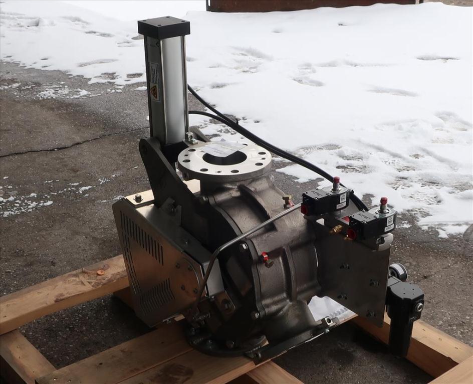 Valve 12 W x 33 L x 32 H Schenck Process pneumatic diverter valve, 40PT45 316 SS5