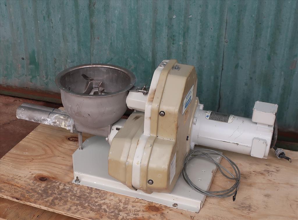 Feeder 1.5 K-Tron screw feeder 316 SS1