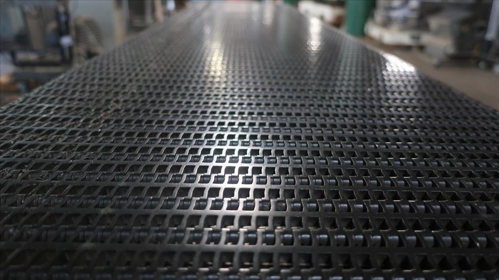 Conveyor Quipp belt conveyor model Mat Top Conv. Bundle Turn, CS, 18 x 1307