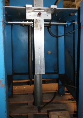Labeler PTI heat shrink labeler model 25R