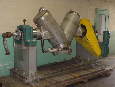 Mixer and Blender 10 cu. ft. capacity Hamilton twin shell V blender 7.5 hp, 316 SS