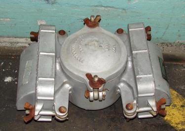 Valve flame arrestor, 3 vent size Protectoseal model E833/011, vertical